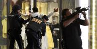 Полиция на месте теракта в Вене