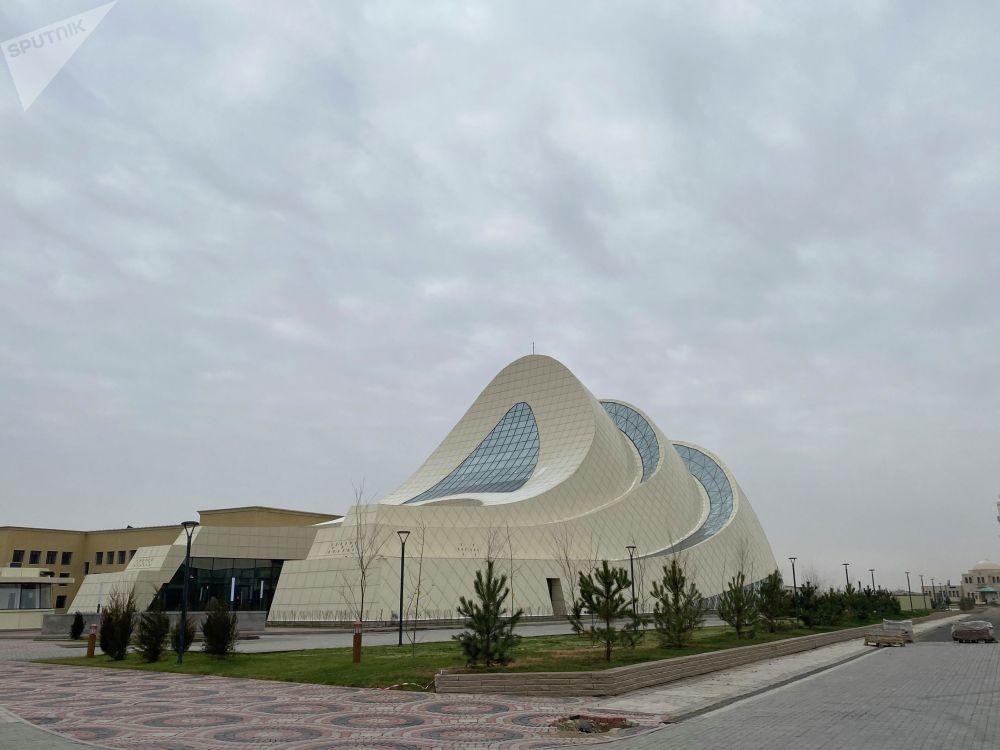 Рухани астананың мәдени-рухани орталығындағы тағы бір ерекше ғимарат – Қожа Ахмет Ясауи музейі