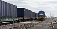 Железная дорога, товарный поезд, иллюстративное фото