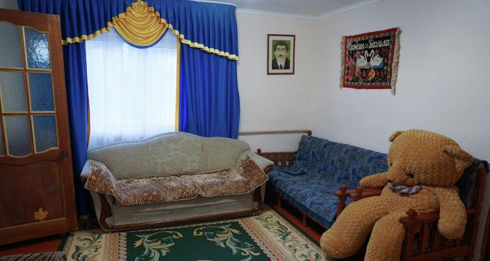 Комната гостевого дома в поселке Карабулак