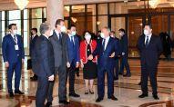 Нурсултан Назарбаев посетил Государственный академический казахский музыкально-драматический театр имени К.Куанышбаева