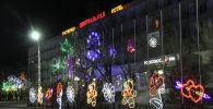 Город Байконыр украсили к новогодним праздникам