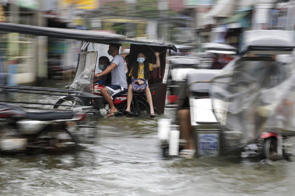 25 000 ауыл тұрғыны Филиппиндегі өз үйлерінен қоныс аударуға мәжбүр болды