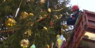 В Москве нарядили главную елку страны