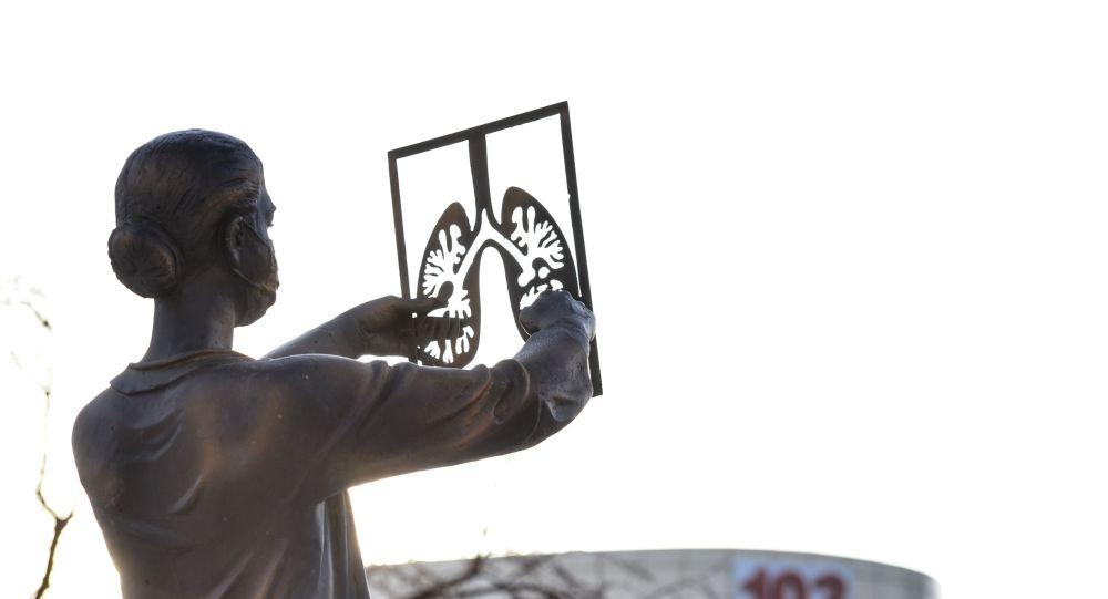 Нұр-Сұлтан қаласында дәрігерлердің құрыметіне арнап тұрғызылған ескерткіш