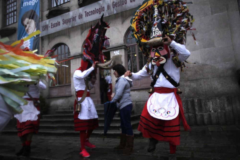 Португалияның солтүстігіндегі Ламегода өткен карнавал кезіндегі көрініс.