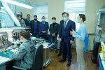 Ералы Тугжанов посетил производство уникальных аппаратов для лечения болезней легких