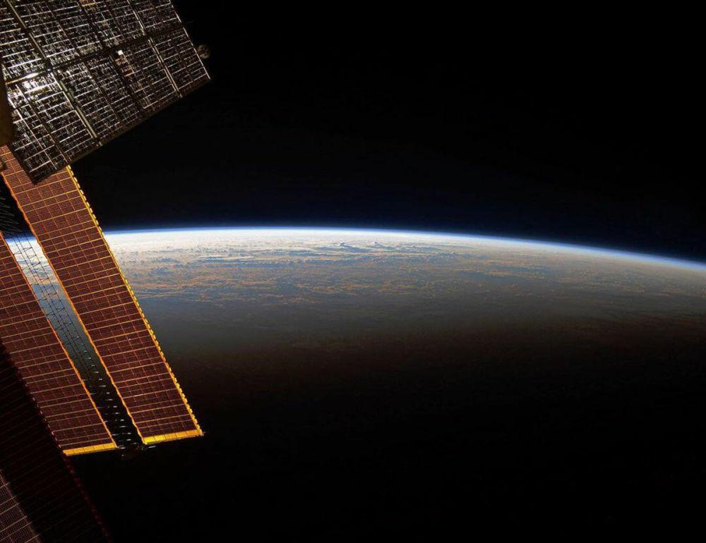 Халықаралық ғарыш станциясында таң осылай атады.