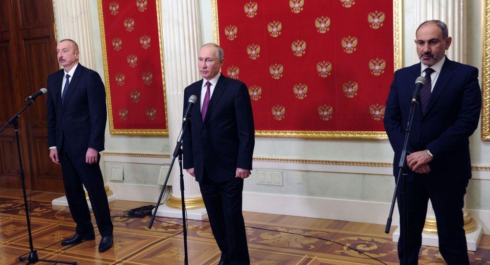 Ресей, Әзербайжан және Армения басшыларының үшжақты кездесуі