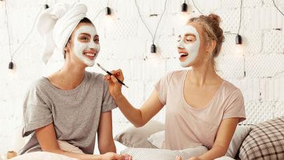 Приходим в себя: 16 средств, которые освежат вашу кожу