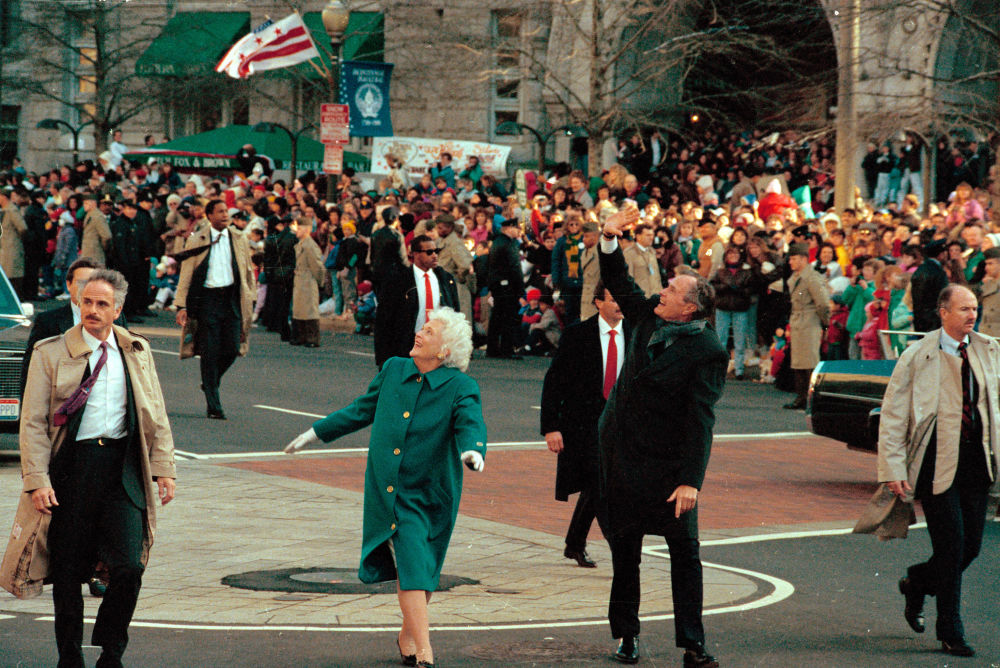Джордж Буш пен бірінші ханым