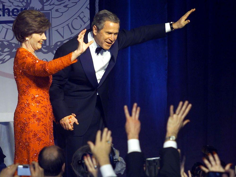 АҚШ президенті Джордж Буш әйелі Лора