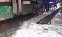 Автобус сбил насмерть пешехода