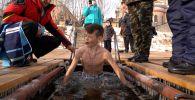Как прошли крещенские купания в Алматы в пандемию