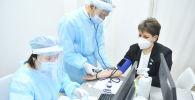 Мажилисмены-медики получили вакцину против коронавируса