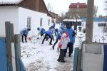 Волонтеры помогают пенсионерам в Нур-Султане - видео
