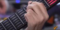 В России создали сенсорную гитару для людей с ограниченными возможностями - видео