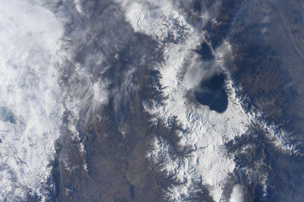 Армениядағы Севан көлінің ғарыштағы көрінісі