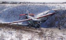 Воздушное судно Ан2 авиакомпании Азия Континенталь, выполнявший санитарный рейс РРК5481 по маршруту Боралдай - Кеген совершил вынужденную посадку в 1,5 км восточнее от автомобильной дороги Боралдай.