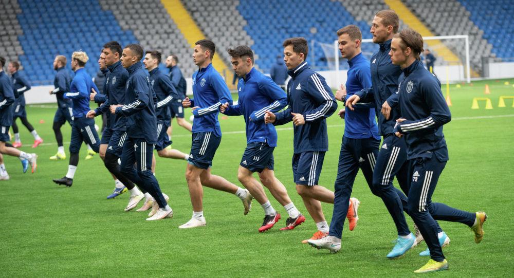 Тренировка футбольного клуба Астана
