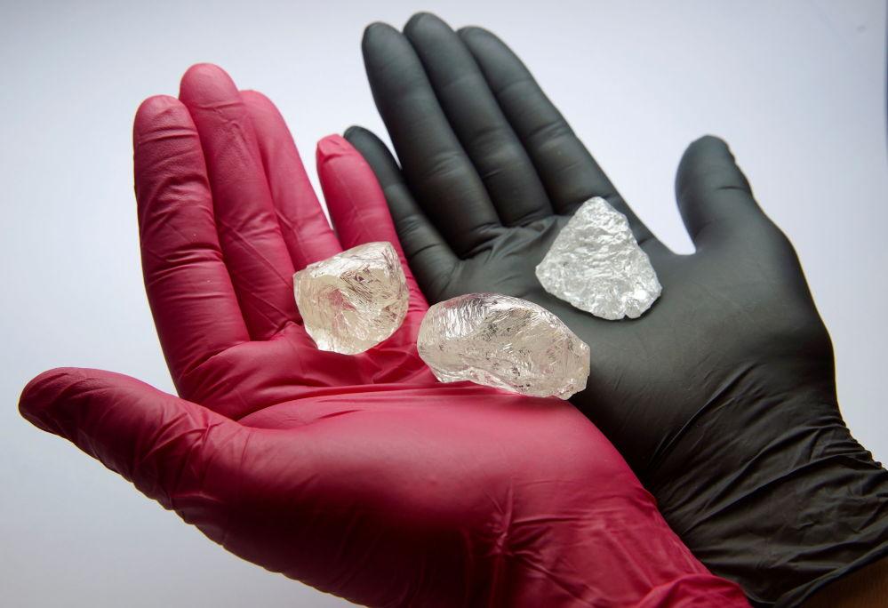 Көкшетау метаморфиялық кешеннің құрамына кіретін метаморфогенді типтегі алмаз