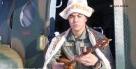 Пилот ВВС Казахстана сыграл кюй Тлендиева, чтобы поздравить казахстанцев с Наурызом