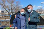 Внуки фронтовиков Анатолий Яптик и Мухтар Кайшатаев