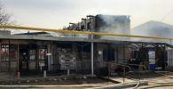 Двухэтажное здание сгорело на пр. Рыскулова