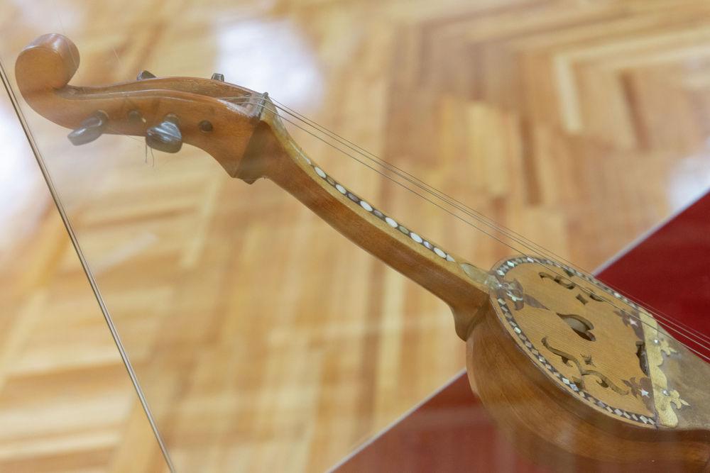 Қобыз – ішекті ыспалы музыкалық аспап