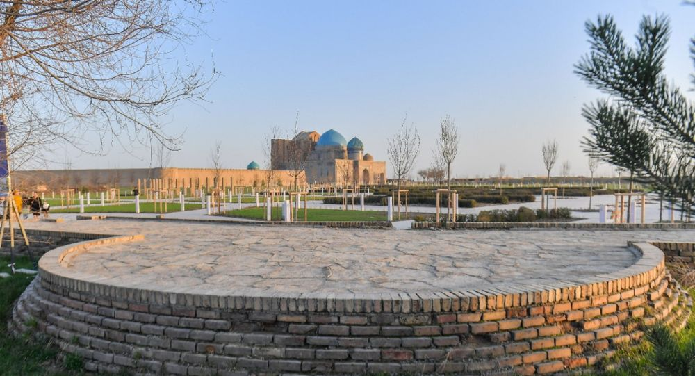 Туркестан, вид на мавзолей Ходжа Ахмета Яссауи