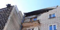 Көкшетауда көпқабатты тұрғын үйдің балконы опырылып түсті