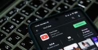 Приложение видеохостинга YouTube в телефоне