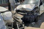 Фура без тормозов снесла шесть автомобилей на одном из перекрестков в Алматы