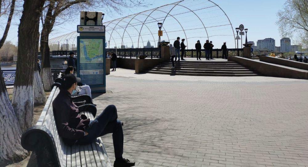 В центральный парк не пускают гулять, по Набережной и Арбату можно