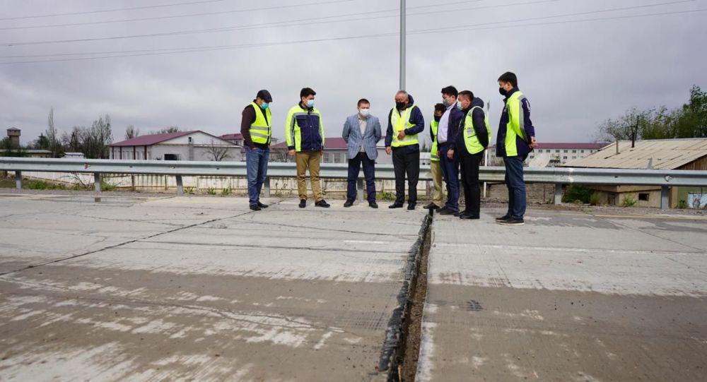 Швы бетонного покрытия разошлись на трассе в Алматинской области