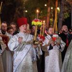 Благодатный огонь привезли в Алматы из Иерусалима – фото