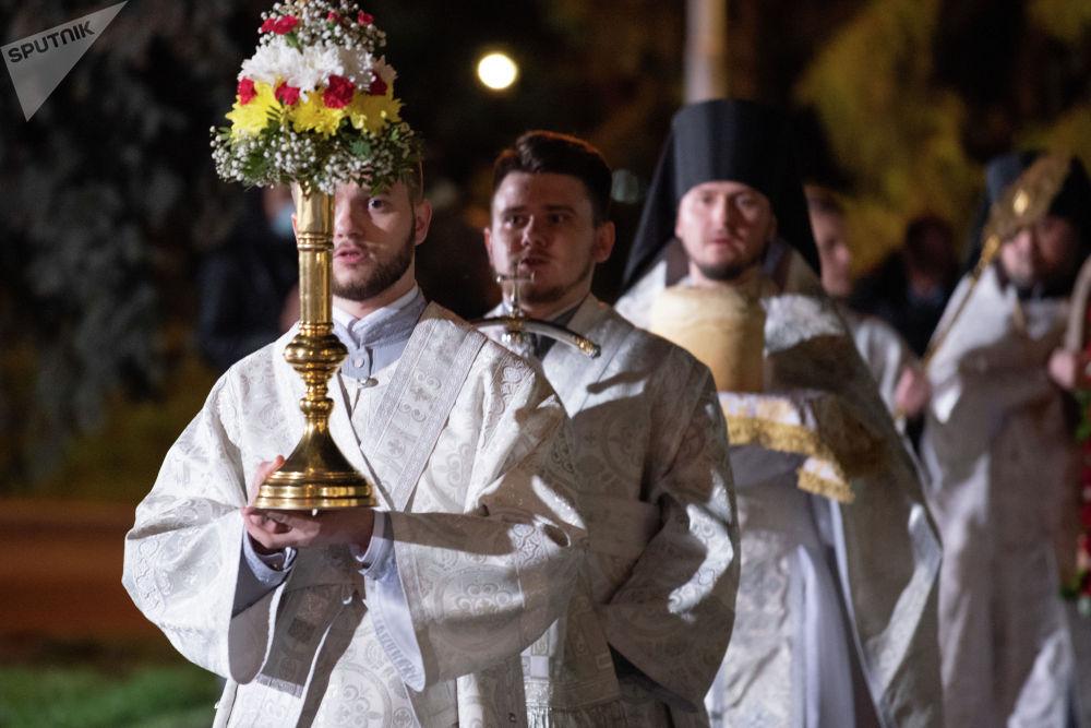 Пасха в Никольском соборе Алматы