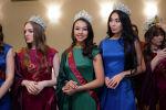 Кызылординка Камилла Серикбай представит Казахстан на конкурсе Мисс Вселенная ( на фото в центре)