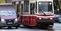 Трамвай на улице Санкт-Петербурга