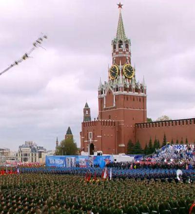 Парад Победы на Красной площади в Москве - трансляция