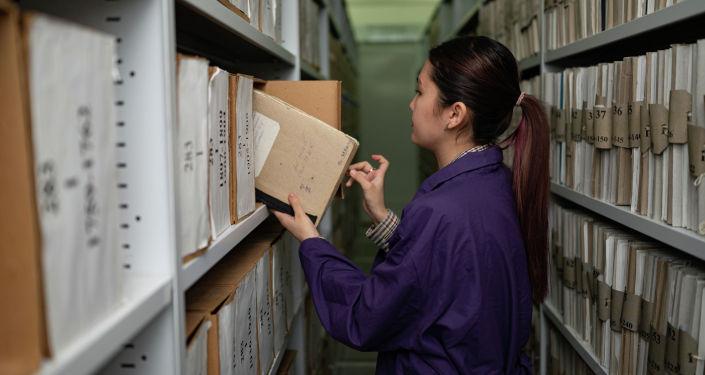 В областном государственном архиве хранится множество исторических документов