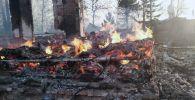 Огнем охвачены уже 35 домов в Риддере