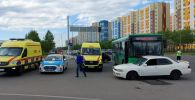 Пассажирский автобус столкнулся с иномаркой в Алматы: пострадали три человека