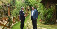 Касым-Жомарт Токаев и Эмомали Рахмон на неформальной встрече