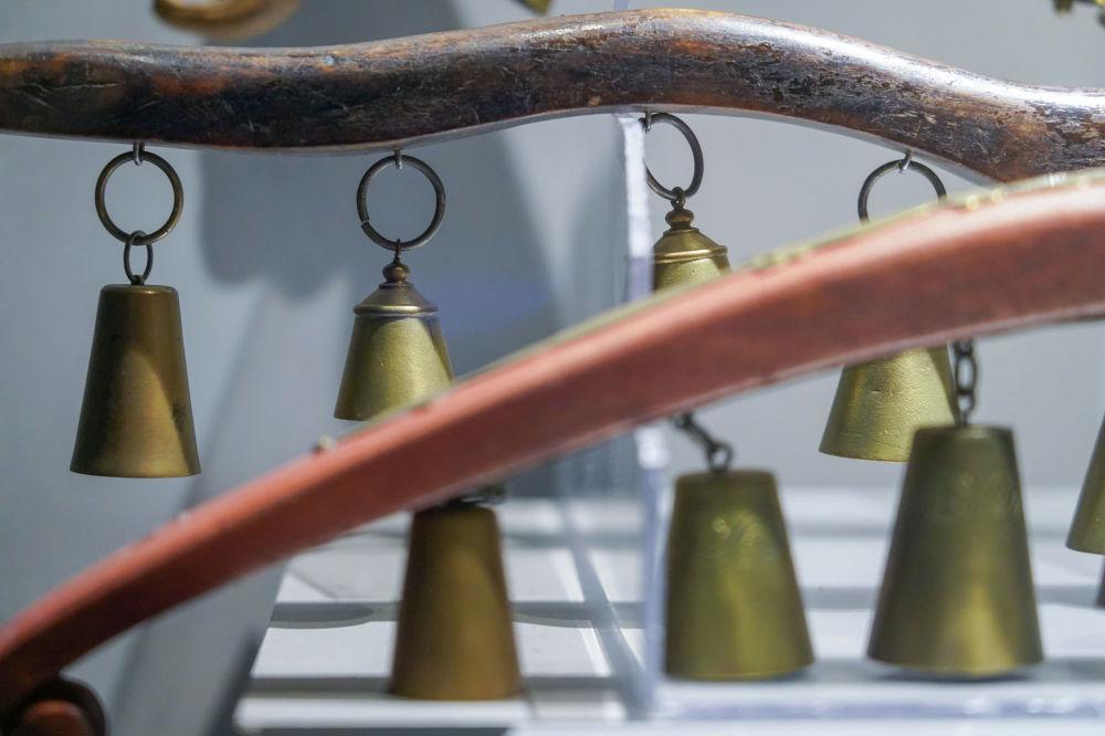 Қоңырау – бұрын халық өнерпаздары көп қолданған музыкалық аспап