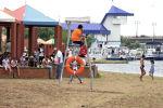 Осторожно, дети! Толпа в центральном парке Нур-Султана 1 июня - видео