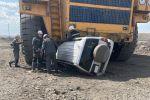 БелАЗ раздавил джип в карагандинском карьере