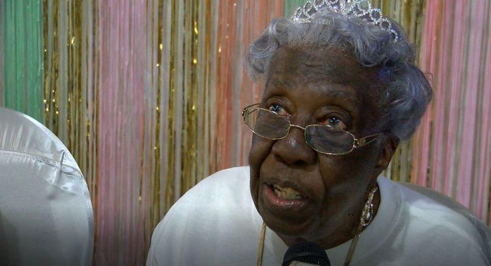 Энни Мэй Белин из Южной Каролины отпраздновала 102-летие