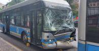 Два троллейбуса столкнулись на улице Достык