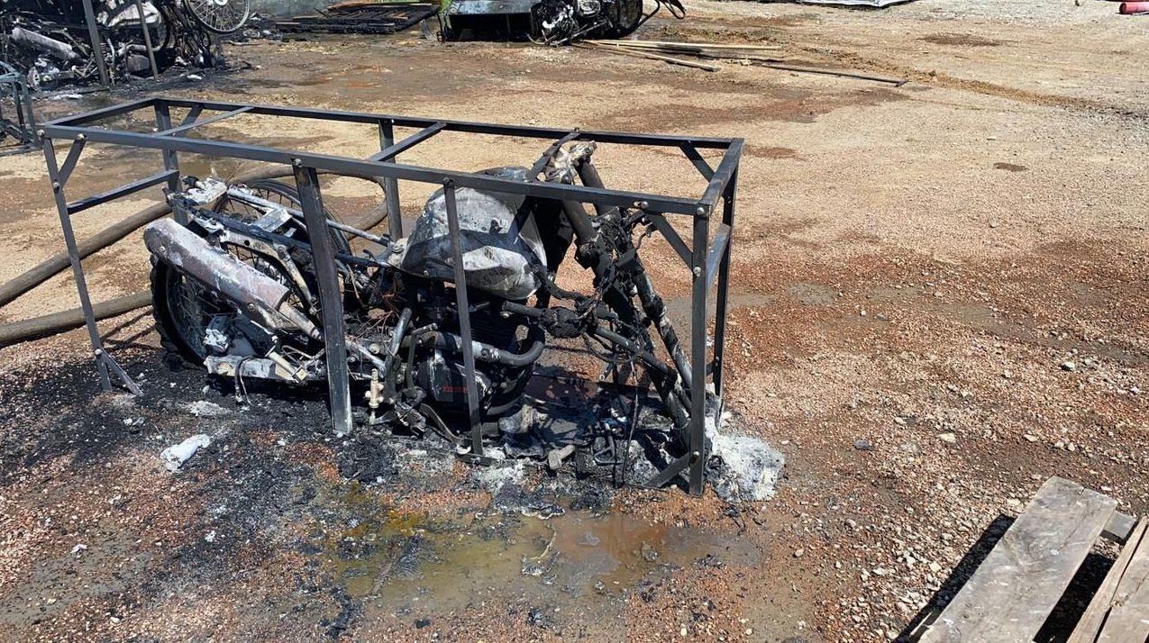 Сгоревшие мотоциклы